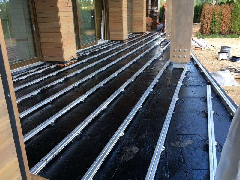 Строительство террасы, используется алюминиевая лага